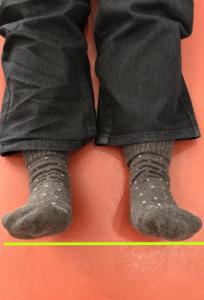 足の長さ A